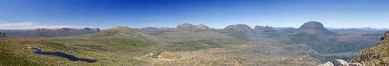 800px-Pelion Range from Mt Oakleigh